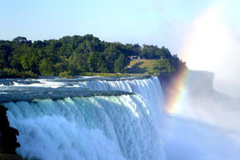 Mother's Day All-Inclusive Getaway Tour of Niagara Falls